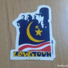Música de colección: U2 - PEGATINA - LOVETOWN - ORIGINAL DE 1989 . Lote 133098151