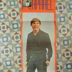Música de colección: INTERESANTE FELICITACION ORIGINAL DE RAPHAEL AÑO 1968 RARA PERFECTO ESTADO. Lote 109354863