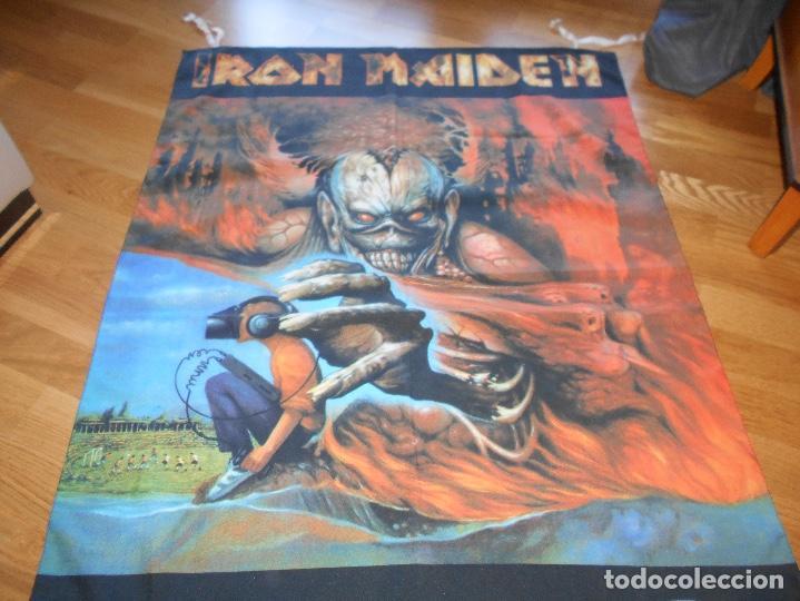 Música de colección: Iron Maiden Virtual XI world Tour BANDERIN oficial, Manga corta Gira 1998 CONCIERTO TELA - Foto 4 - 110158543