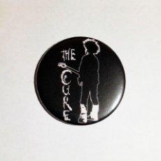 Música de colección: THE CURE - LOGO IMÁN NEVERA 59MM - ROCK GÓTICO POST-PUNK. Lote 222502181