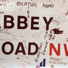 Música de colección: THE BEATLES ABBEY ROAD FOTOGRAFÍA ORIGINAL 20 X 30 CM PLACA DE LA CALLE 1984 FECHADA . Lote 113433819