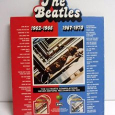 Música de colección: THE BEATLES. CARTEL TROQUELADO THE ULTIMATE COMPILATIONS 31 X 41. CON BASE POSTERIOR PARA APOYO. Lote 128487543