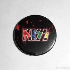 Música de colección: KISS - LOGO ABREBOTELLAS 59MM (CON IMAN PARA PONER EN LA NEVERA) - HARD ROCK. Lote 222502587