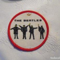 Música de colección: THE BEATLES: ANTIGUO PARCHE CIRCULAR DE HELP! U.K FINALES 60'S-COMO NUEVO. Lote 142256630