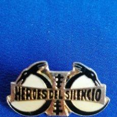 Música de colección: HEROES DEL SILENCIO - PIN. Lote 190242757