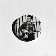 Musica di collezione: ELVIS PRESLEY - JAILHOUSE ROCK CHAPA 31MM (CON IMPERDIBLE). Lote 212656417
