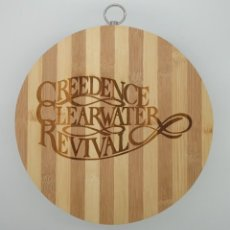 Música de colección: CREEDENCE CLEARWATER REVIVAL / TABLA DE MADERA DE COCINA PARA CORTAR PAN O DECORAR. Lote 230359840