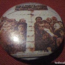Música de coleção: CHAPA 32 MM ILEGALES - AGOTADOS DE ESPERAR EL FIN. Lote 232761828
