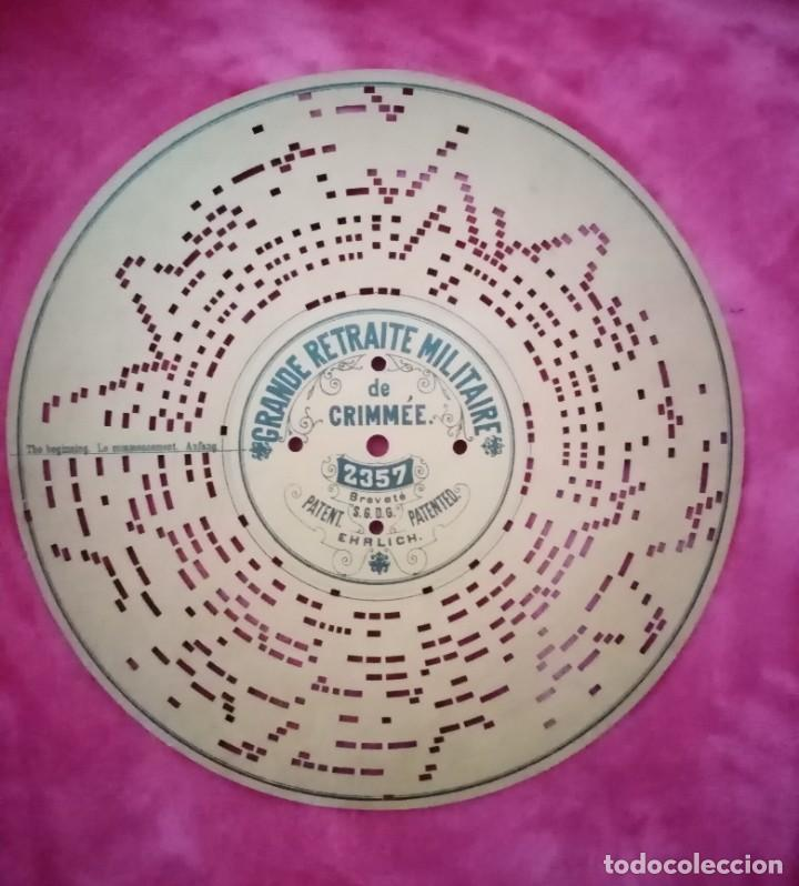 Música de colección: Antiguo Disco de cartón perforado troquelado para caja de música organillo Ariston Grande Retraite.. - Foto 2 - 275540968
