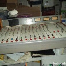 Música de colección: MESA DE MECLAS PROCEDENTE DE EMISORA DE RADIO. Lote 280849953