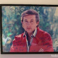 Música de colección: AUTÓGRAFO CUADRO FOTO DE : FAMOSO LUIS AGUILÉ EN 1991. Lote 288435593