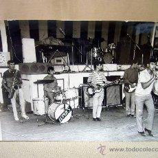 Fotos de Cantantes: FOTO, FOTOGRAFIA PROMOCIONAL, DEYMON`S, BANDA MISICAL, FOTO MARCOS, VALENCIA, 12 X 18 CM. Lote 31681483