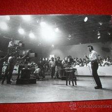 Photos de Chanteurs et Chanteuses: FOTO ORIGINAL TVE LITTLE TONY ¿? 13 X 18 CMS. Lote 32233302