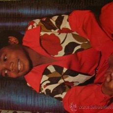 Fotos de Cantantes: MICHAEL JACKSON JACKSON 5 RANDY JACKSON POSTER REVISTA AMERICANA AÑOS 70+ REPORTAJE 2 PÁGINAS. Lote 33980370