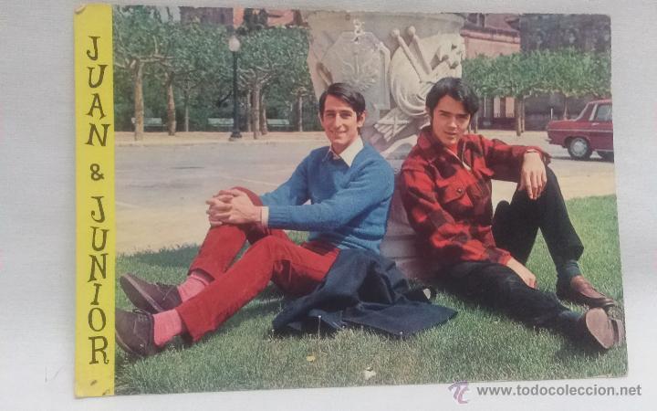 JUAN Y JUNIOR , ANTIGUA POSTAL A COLOR , AÑO 1968 (Música - Fotos y Postales de Cantantes)