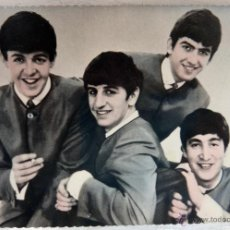 Fotos de Cantantes: POSTAL ANTIGUA , THE BEATLES , 1964 , ORIGINAL , P81799A. Lote 49756108