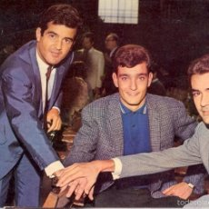 Fotos de Cantantes: DÚO DINÁMICO & SANTI CARULLA - POSTAL. Lote 194327620