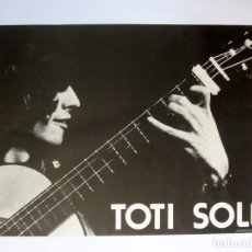 Fotos de Cantantes: TOTI SOLER. ANTIGUO CARTEL PROMOCIONAL DEL HISTÓRICO CANTANTE Y GUITARRISTA NOVA CANÇÓ CATALANA. 70S. Lote 67014574