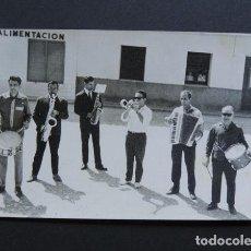 Fotos de Cantantes: ANTIGUA FOTOGRAFIA AÑOS 50 / CHARANGA - ORQUESTA / ESTADILLA / HUESCA. Lote 260684560