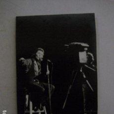 Fotos de Cantantes: RAPHAEL - FOTO -VER FOTOS -(V-11.275). Lote 87543040