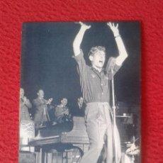 Fotos de Cantantes: POSTAL POST CARD THE NOSTALGIA POSTCARD VINTAGE 1953 JOHNNIE RAY AMERICAN SOB-SINGER CANTANTE LONDON. Lote 88142036