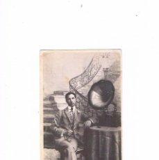 Fotos de Cantantes: POSTAL ANTIGUA TOMAS MONTSERRAT RETRAT DE UN POBLE. Lote 97393243