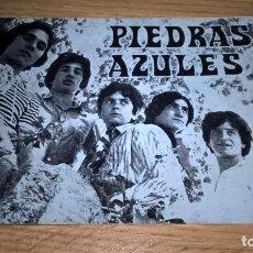 Photos de Chanteurs et Chanteuses: GRUPO PIEDRAS AZULES. FICHA DEDICADA AL DORSO. Lote 98975367