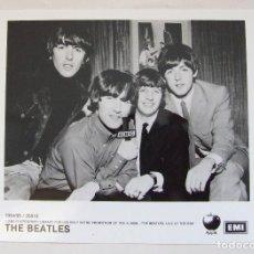 Fotos de Cantantes: FOTO ORIGINAL PROMOCIONAL BEATLES LIVE AT THE BBC 1 EMI APPLE. Lote 102587247