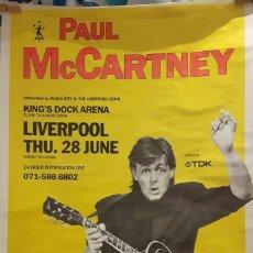 Fotos de Cantantes: PAUL MCCARTNEY - BEATLES - LIVE LIVERPOOL- POSTER MEDIANO- REINO UNIDO- EXCELENTE ESTADO-1990. Lote 115235403