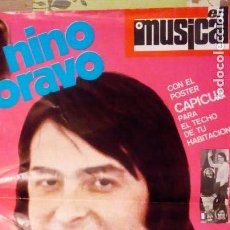 Fotos de Cantantes: NINO BRAVO Y VICTOR MANUEL EL MUSICAL 1970 POSTER CAPICUA. 100 X 60 CM. Lote 128269671