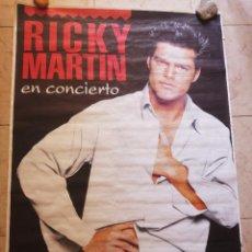 Fotos de Cantantes: POSTER RICKY MARTIN EN CONCIERTO. VALENCIA, ESTADIO DEL LEVANTE. FINALES 90. MEDIDAS 129 X 90 CM.. Lote 129982515