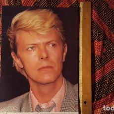 Fotos de Cantantes: DAVID BOWIE POSTAL GIGANTE 39 X 28 CM ORIGINAL DE FINALES DE LOS 80 EN PERFECTO ESTADO. Lote 132069534