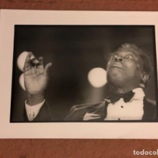 Fotos de Cantantes: LOUIS ARMSTRONG. FOTOGRAFÍA PROMOCIONAL EN B/N. 18 X 24 CMS.. Lote 132959278