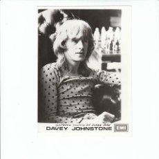 Fotos de Cantantes: ELTON JOHN: FOTO ORIGINAL DE DAVEY JOHNSTONE- GUITARRA SOLISTA-PROMO E.M.I-MATERIAL EXCLUSIVO. Lote 140399130