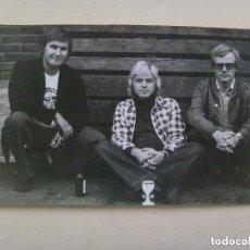 Fotos de Cantantes: FOTO ORIGINAL DEL GRUPO MUSICAL FINNTRIO , DE FINLANDIA, AÑOS 60 . DETRAS FIRMADA. Lote 147033538