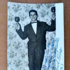 Fotos de Cantantes: FOTO DEDICADA Y FIRMADA POR MANUEL COSTA 1961 EL SEGUNDO MACHIN. Lote 153675990