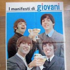 Fotos de Cantantes: BEATLES POSTER ORIGINAL 1965 REVISTA GIOVANI ITALIA EXCELENTE CONSERVACION COLECCION. Lote 154792730