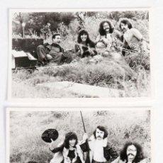 Fotos de Cantantes: 2 FOTOGRAFÍAS DEL GRUPO ICEBERG. FINALES DE LOS 70. PROMOCIÓN DE ZAFIRO. Lote 155492234