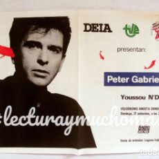 Fotos de Cantantes: PETER GABRIEL. YOUSSOU N´DOUR. VELÓDROMO DE ANOETA DONOSTI. CARTEL ORIGINAL 57X41CMS.. Lote 147359250