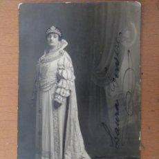 Fotos de Cantantes: FOTO FIRMADA LAURA CERVERA CANTANTE DE OPERA EN EL PAPEL DE REINA MARGARITA -GLI UGOMOTTI- 1918. Lote 158398422