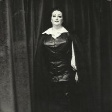 Fotos de Cantantes: MONTSERRAT CABALLÉ. FOTOGRAFÍA FORZA DEL DESTINO. TEATRO ALLA SCALA MILANO. 1978. 24X18 CM.. Lote 160470726