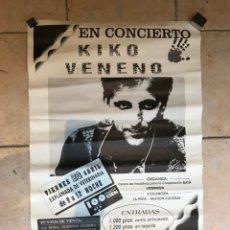 Fotos de Cantantes: KIKO VENENO EN CONCIERTO EN CÓRDOBA, CARTEL ORIGINAL, 23 ABRIL AÑOS 90, EXPLANADA DE VETERINARIA. Lote 167983698