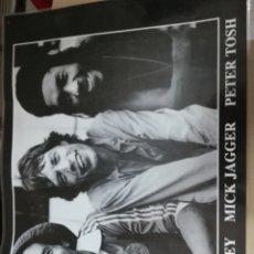 Fotos de Cantantes: POSTER PLASTIFICADO BOB MARLEY MICK JAGGER PETER TOSH MEDIDAS 43CM X 59CM. Lote 170268394