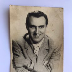 Fotos de Cantantes: FOTOGRAFÍA ANTIGUA. MANOLO ESCOBAR. FOTOGRAFÍA DEDICADA POR EL CANTANTE (H.1950?). Lote 173814923