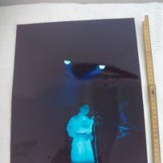 Fotos de Cantantes: FOTOGRAFIA DE CANTANTE, MÚSICO, CREO QUE DE LOS AÑOS 80, DESCONOZCO QUIEN ES.. Lote 176188240