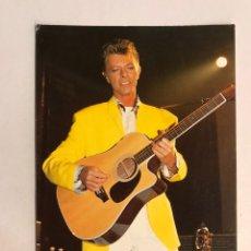 Fotos de Cantantes: DAVID BOWIE. HERMOSA POSTAL A COLOR (A.1994) CIRCULADA.... Lote 176857465