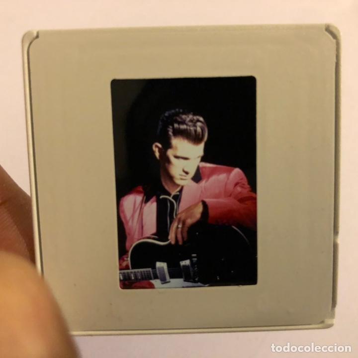 CHRIS ISAAK. DIAPOSITIVA DE FOTOGRAFÍA PROMOCIONAL AÑOS 80. (Música - Fotos y Postales de Cantantes)