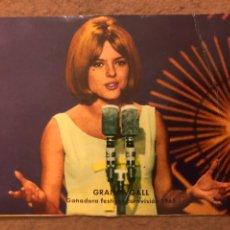 Fotos de Cantantes: FRANCE GALL, GANADORA FESTIVAL EUROVISION 1965. TARJETA FOTO CROMO. 7,5 X 10,5 CMS.. Lote 190045940
