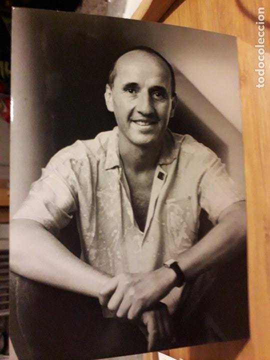 FOTO ORIGINAL DE MICKY ( MIGUEL ÁNGEL CARREÑO SCHMELTER ) 17,5X12,5 CMS (Música - Fotos y Postales de Cantantes)