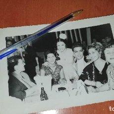 Fotos de Cantantes: PEDRITO RICO, AMALIA MOLINA Y DIANA MARQUEZ EN TRE OTROS, FOTOGRFIA DE 17,5 X 11,5 CM.. Lote 195036560